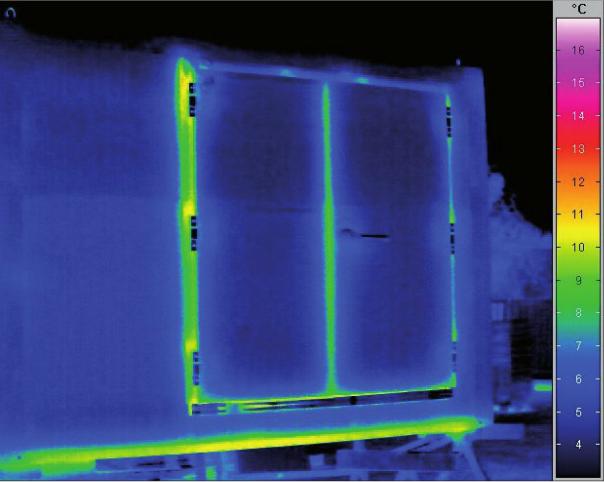 La fotografia mostra una camera calda KMC 360 Eco con temperatura interna di 60 gradi