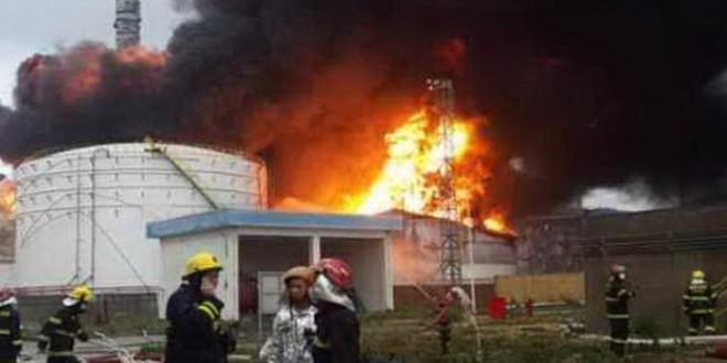 Un incendio in uno stabilimento chimico in Cina obbliga all'evacuazione quasi 30.000 persone