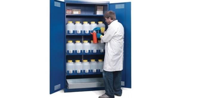 Guida alla scelta di un armadio per sostanze pericolose